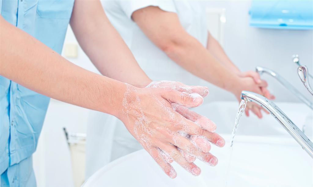 Lavage des mains (savon antiseptique)